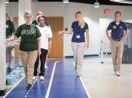 'Matige beweging helpt ouderen bij behoud mobiliteit'