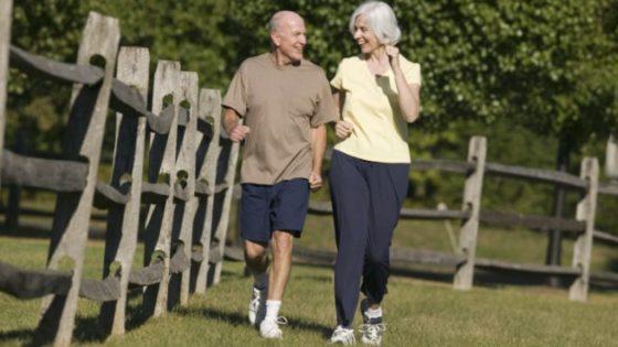 Combinatie eiwitrijke voeding en krachttraining helpt fragiele ouderen