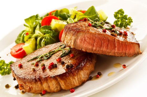 Meta-analyse duidt op hoger risico borstkanker bij consumptie bewerkt vlees