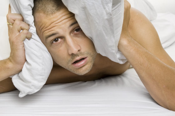 'Slecht slapende mannen verhoogd risico op hartaanval'
