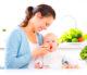 Attachment moeder voedt baby 80x69