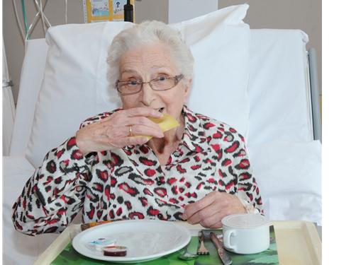 Verbeterde eiwitinname bij oudere patiënten met Cater with Care-producten