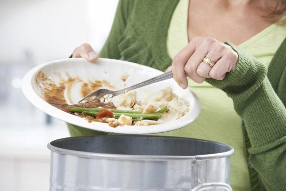 Voedselverspilling in ziekenhuizen en zorginstellingen kan de helft minder