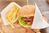 Mensen hebben individuele ontstekingsreacties op het eten van een vetrijke maaltijd